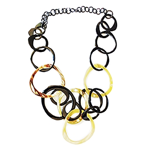 Q11811 WATER BUFFALO HORN  VARIED SIZED CIRCLES NECKLACE
