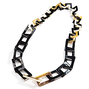 Q9683 WATER BUFFALO HORN NECKLACE