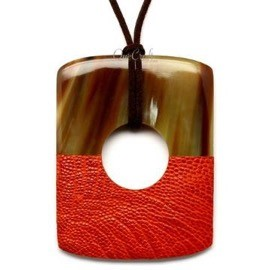 Q12523 ORANGE HALF LEATHER/WATER BUFFALO HORN PENDANT