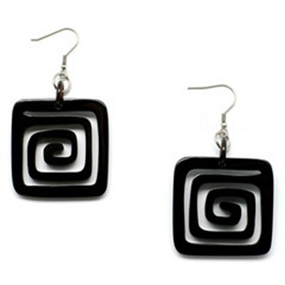 Q10060 HORN NATURAL CARVED SQUARE EARRING