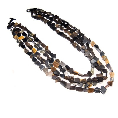 Q11324WATER BUFFALO HORN NECKLACE