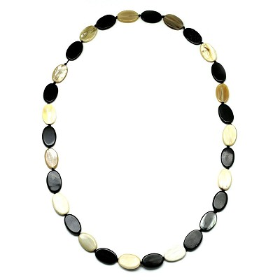 Q11893 OVAL SHAPED BLACK AND WHITE PIECES  HORN NECKLACE