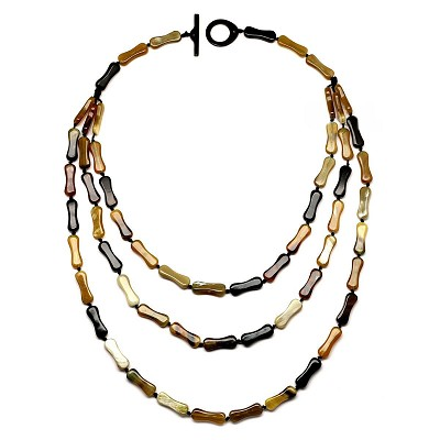 Q11261 WATER BUFFALO HORN TRIPLE STRAN NECKLACE